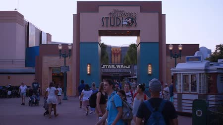 curto : Orlando, Florida . May 20, 2019. People walking on Hollywood Studios arch in Walt Disney World area.
