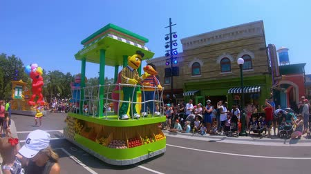 timone : Orlando, in Florida. 24 maggio 2019. Sesame Street Party Parade presso Seaworld nell'area International Drive Filmati Stock