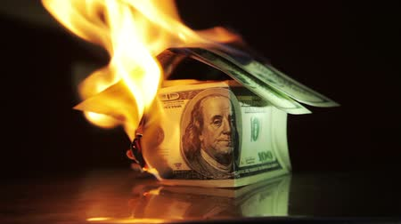 yanmak : Money dollars burn