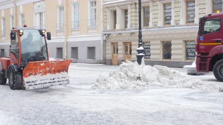 buldózer : Snow removal in the city Stock mozgókép