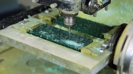 продукты : Making copy jewelry of plastic in milling machine. Production and making manufacturing, factory, cast craft design, process precious gold jewelry, diamond, jewels, ring jeweler, goldsmith in workshop. Стоковые видеозаписи