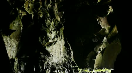 asker : special soldier in cave