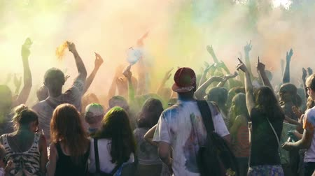 religioso : Many young people having fun on the festival of colors