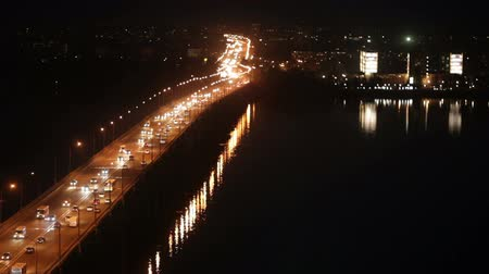 mühendislik : Central road bridge in Dnepropetrovsk at night. There is sound. Stok Video