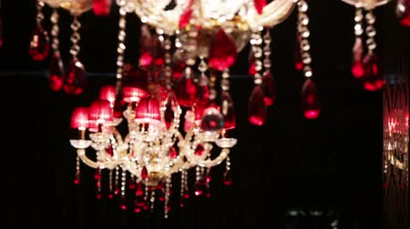 żyrandol : Moves focus from one to the other crystal chandelier Wideo