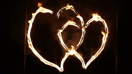 любовь : Two hearts glowing wire