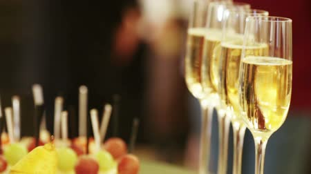 borgonha : Champagne poured into glass cubs Stock Footage