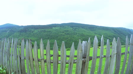 płot : Fence in mountains