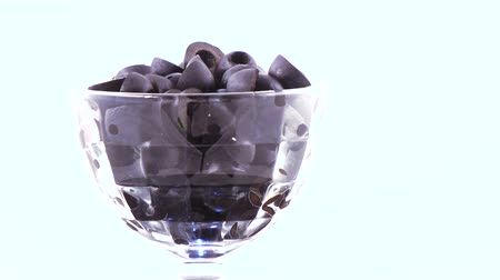conservado : Black olives in the bowl