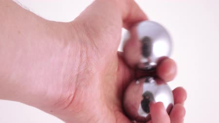 karma yoga : Chinese balls for meditation