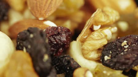 peeled grains : Nuts and dried fruits in bulk