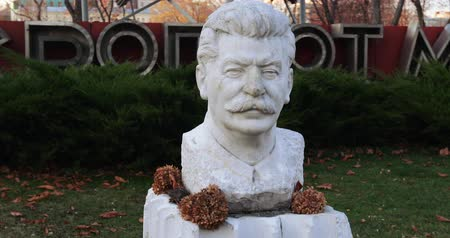 lenin : Monument to Stalin Oplot