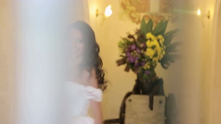 koronka : Bride spinning around him posing for the camera. slow-motion Wideo