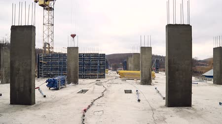 alapítvány : Construction site without workers. Panorama on parts of building constructions