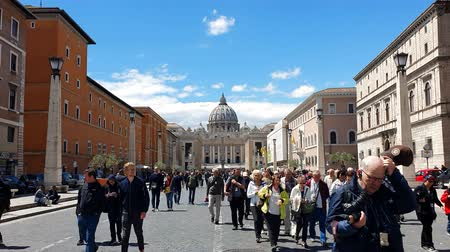 time laps : ROME. ITALY. May 21, 2019 The area in front of the Vatican. The most popular tourist destination in Rome. Large columns and Sunny weather. Blue blue sky.