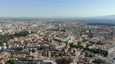 Řím : View from the height of the houses and infrastructure of Rome in Italy.