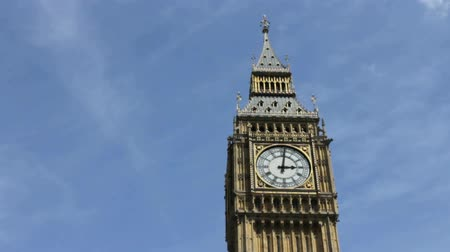 big ben : Big Ben clock with camera pan. Filmed on a sunny summer day in London, United Kingdom. Stock Footage