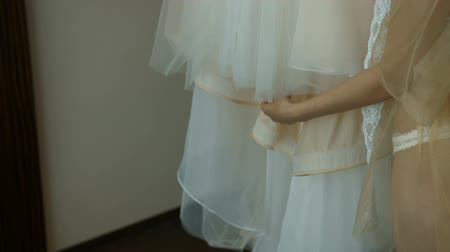 The bride touches her wedding dress Stok Video
