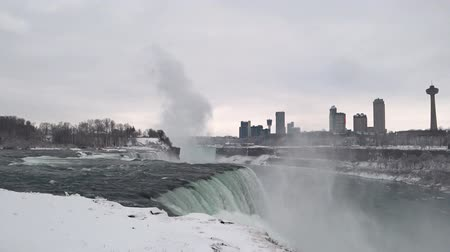 canadense : Niagara Falls - waterfalls complex on the Niagara River