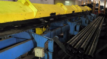 aço inoxidável : Metal tube from the machine after processing. Pipe Rolling Plant