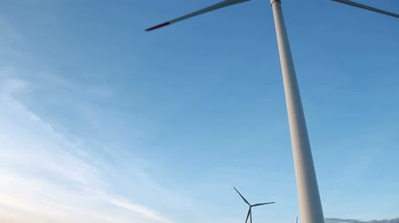 moinho de vento : energy wind turbines on blue sky