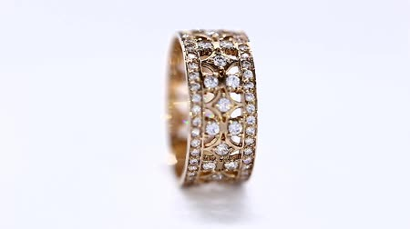 дорогой : Yellow Metal Gold Diamond Ring Rotation Loop