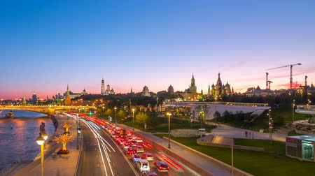 cityskyline : Timelapse video of Moscow landmark and road with traffic during sunset from Zaryadye Park Stock Footage