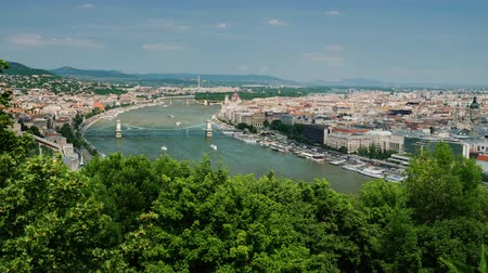 ügyintézés : Beautiful view from above on the city of Budapest, Hungary Stock mozgókép