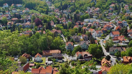 типичный : Pan shot: View from the top of the picturesque town of Wernigerode - a city in Germany in the federal state of Saxony
