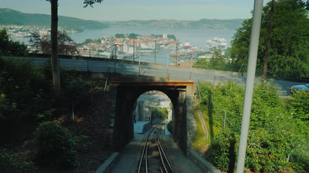 kareta : View from the riding up the cable car to the city of Bergen in Norway Wideo