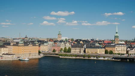 estocolmo : Cityscape of Stockholm. A clear sunny day in the capital of Sweden. Pan video shot
