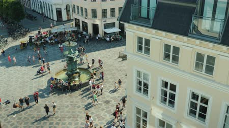 kopenhagen : Copenhagen, Denmark, July 2018: Stork Fountain is located on Amagertorv in the center of Copenhagen, Denmark. Top view