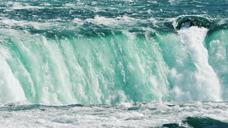 podkowa : The flow of water in Niagara Falls is an amazing sight of nature