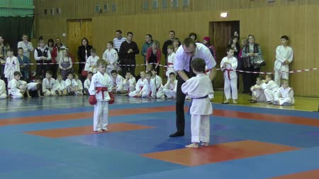 sztuki walki : Orenburg, Russia - February 13, 2016: Children compete in jiu-jitsu