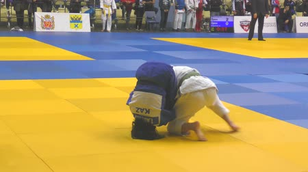 dedicado : Orenburg, Russia - 21 October 2017: Girls compete in Judo at the all-Russian Judo tournament among boys and girls dedicated to the memory of VS Chernomyrdin
