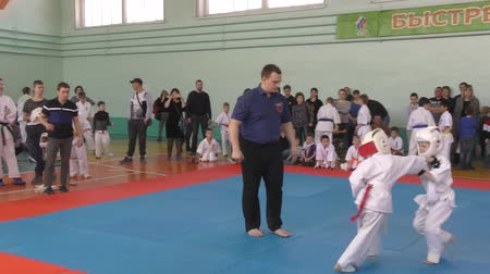 "samoerai : Orenburg, Rusland-7 april 2019 jaar: jongens strijden in de stad ""Tournament Day Samurai"""