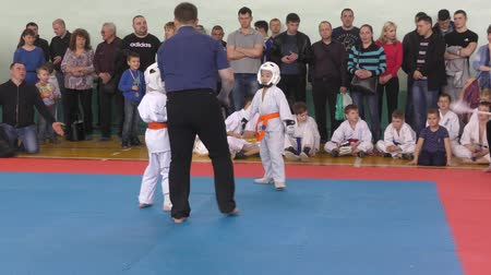 каратэ : Orenburg, Russia-April 7, 2019 year: boys compete in town Tournament Day Samurai