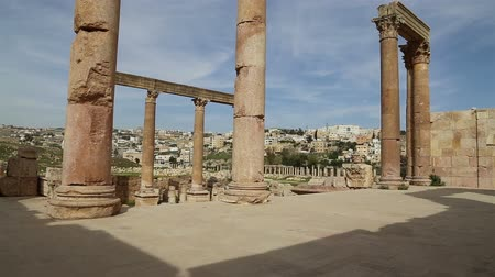 keleti : Roman ruins in the Jordanian city of Jerash (Gerasa of Antiquity), capital and largest city of Jerash Governorate, Jordan