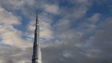 birleşik arap emirlikleri : Burj Khalifa (Khalifa tower), known as Burj Dubai prior to its inauguration - is a skyscraper in Dubai Stok Video