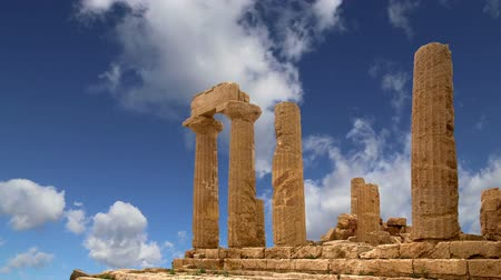 szicília : Ancient Greek Temple of Juno V-VI century BC, Valley of the Temples, Agrigento, Sicily. The area was included in the UNESCO Heritage Site list in 1997