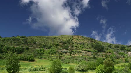 travnatý : A typical landscape of a mountain valley in Sicily, Italy