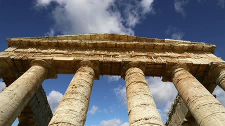 sycylia : Classic Greek Doric Temple at Segesta in Sicily Wideo