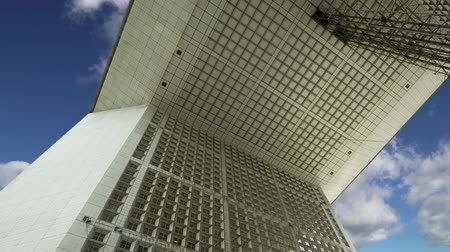 arche : La Grande Arche. La Defense, commercial and business center of Paris, France Stock Footage