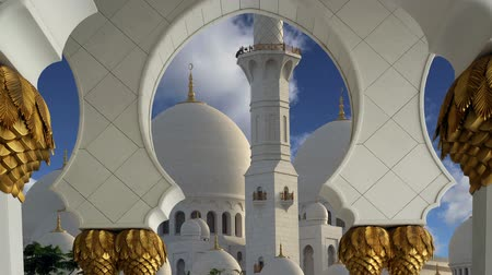 минарет : Abu Dhabi Sheikh Zayed White Mosque in UAE Стоковые видеозаписи