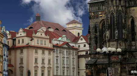 parke taşı : Old Town City Hall in Prague, view from Old Town Square, Czech Republic