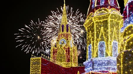 kreml : Fireworks over the Christmas decoration on the area of ??the Kiyevskaya (Kiyevsky) Railway Station at night, Moscow, Russia (with zoom)