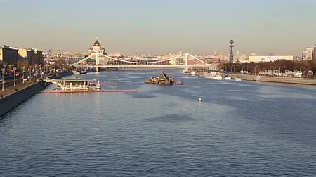 timelapse : Moskva River and embankments (day). Moscow, Russia