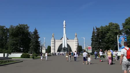 imparatorluk : Spaceship Vostok (monument to the first Soviet rocket) shown at VDNKH park in Moscow, Russia. VDNH is a large city park, exhibition center and amusement park, popular touristic landmark Stok Video