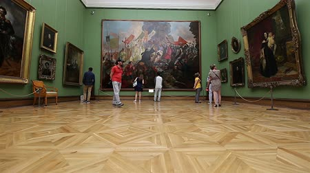 néző : The State Tretyakov Gallery-- is an art gallery in Moscow, Russia, the foremost depository of Russian fine art in the world. Gallerys history starts in 1856. Hall of artist V.Vasnetsov. Collection - 130,000 exhibits