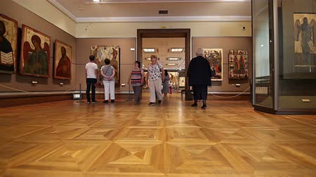 monumentális : The State Tretyakov Gallery-- is an art gallery in Moscow, Russia, the foremost depository of Russian fine art in the world. Gallerys history starts in 1856. Hall of artist V.Vasnetsov. Collection - 130,000 exhibits